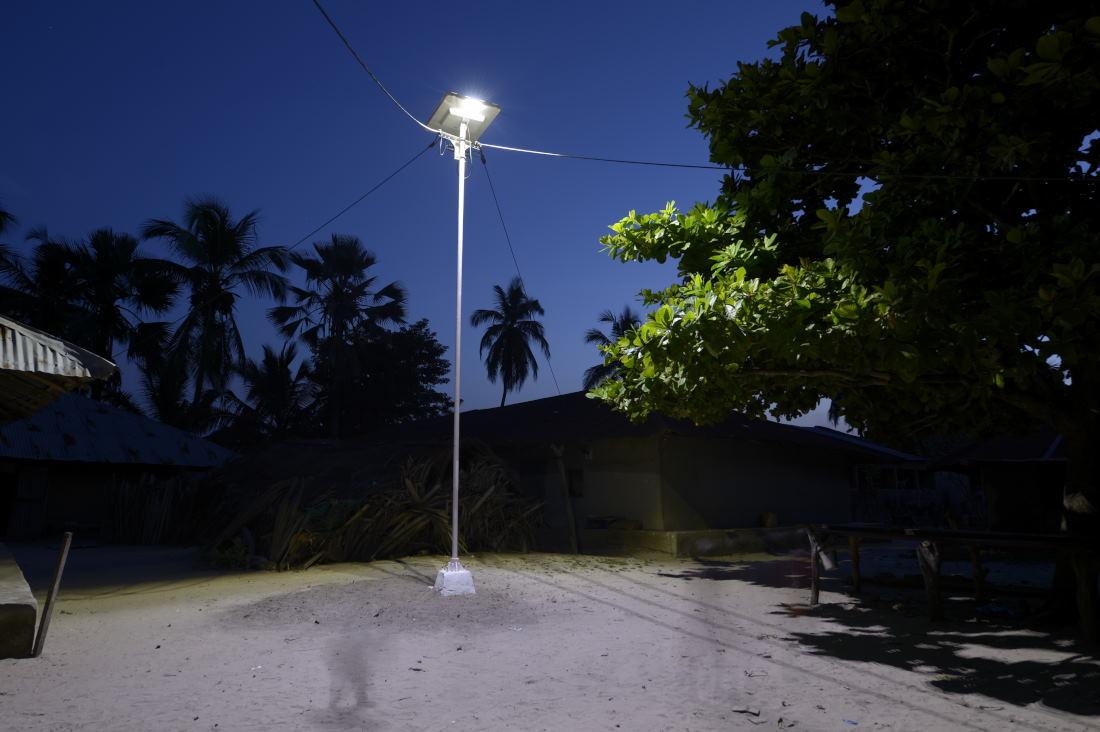 La vérité sur les 50 000 lampadaires solaires de Fonroche