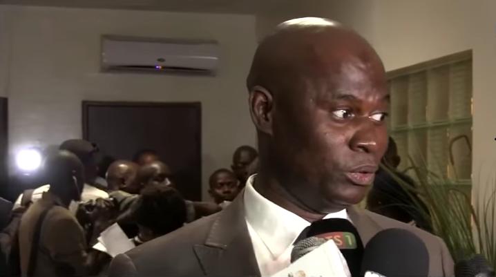 Ousmane Faye avertit « Y en a marre » : « Dans une démocratie, une majorité ne s'incline pas devant une minorité »
