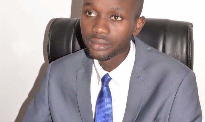 Parrainage : Ce jeune professeur de Droit dispense un cours magistral à l'opposition