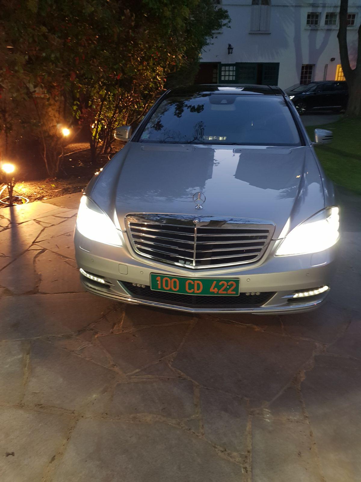 Fake news : la voiture de Macky Sall n'a pas été enfarinée, voici la vraie voiture du Président (vidéo et photos)