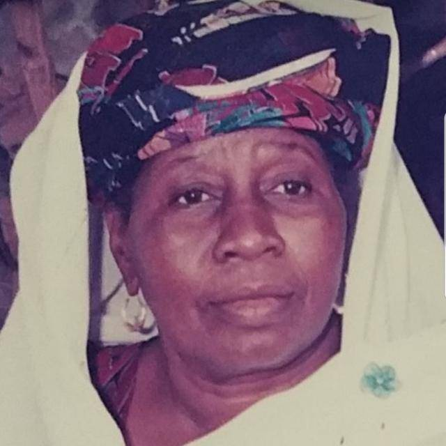 Sokhna Khady Bâ, veuve de Cheikh Abdoul Ahad Mbacké 12 ans déja qu'elle nous a quitté