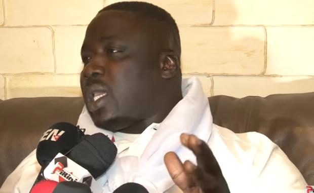 Gris Bordeaux traite Aziz Ndiaye d'indiscipliné