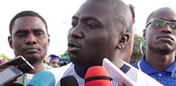 """Bamba Fall déclare la guerre à Macky Sall et attaque un ministre qui fume du """"yamba"""""""