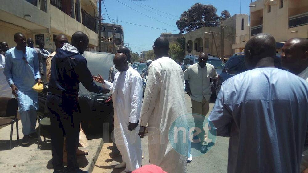 Incognito, le ministre de l'Intérieur, Aly Ngouille Ndiaye présente ses condoléances à la famille Lö à Grand-Yoff