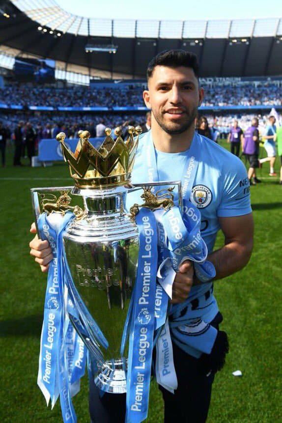 Manchester City célèbre son titre de champion d'Angleterre