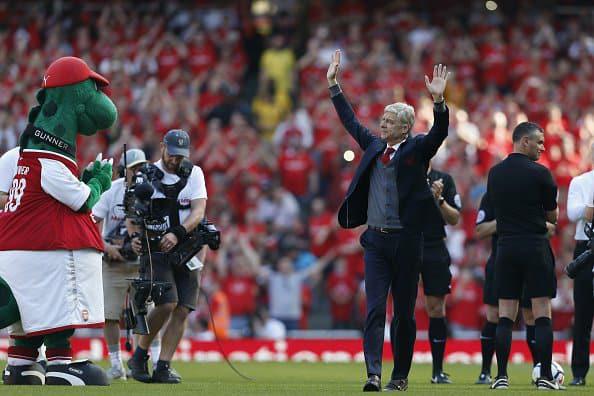 PHOTOS - Magnifique hommage à Arsène Wenger pour son dernier match à l'Emirates Stadium.