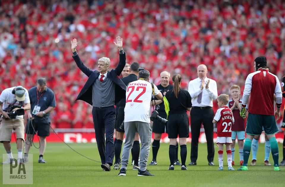 Magnifique hommage pour Arsène Wenger pour son dernier match à l'Emirates Stadium.