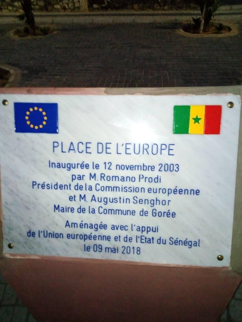 """Polémique autour """"d'une Place de l'Europe"""" à Gorée"""