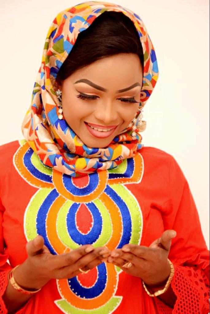 Photos : Mbathio Ndiaye irrésistible en mode ramadan