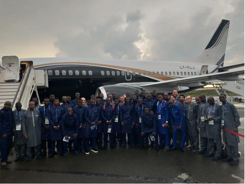 """Arrivée des """"Lions"""" à l'aéroport de Kaluga (Russie)"""