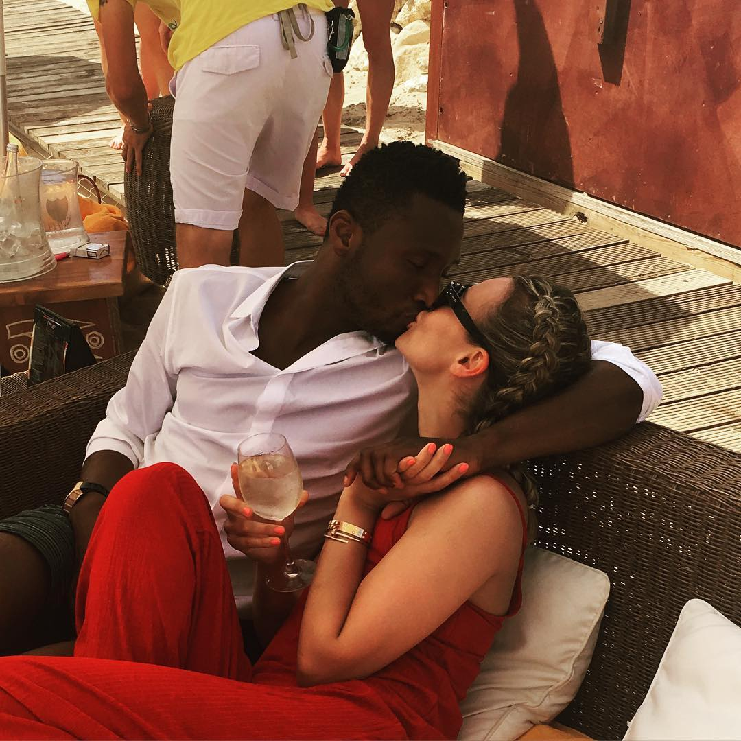 14 Photos : John Obi Mikel a une copine russe