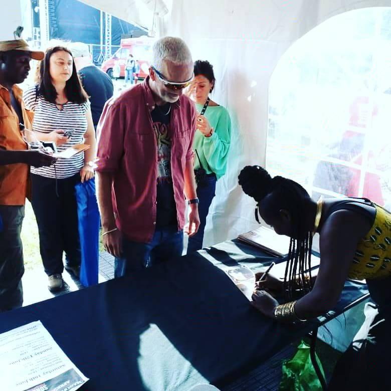 Maréma Fall a joué au festival Africa Oyé au Sefton Park à Liverpool