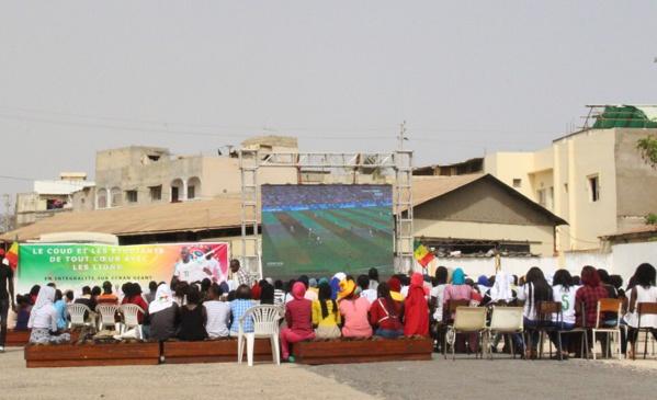 """Sénégal- Pologne: le PUDC """"gâte"""" les étudiants avec un écran géant"""