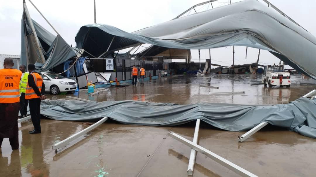 AIBD : Des avions de DHL et de Air Sénégal endommagés et cloués au sol à cause du vent et la pluie (Photos)