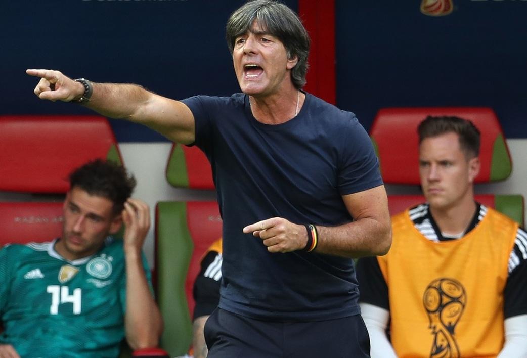 Malgré le fiasco de la Coupe du monde, Löw reste en poste