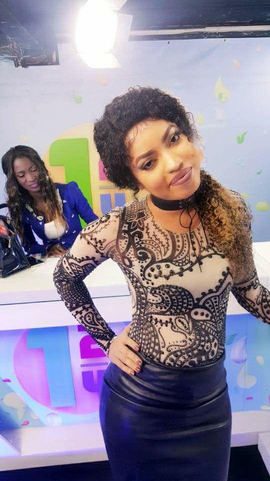 Photos : Niakhalé Diallo, la présentatrice JT RDV, eupeuna, eupeuna!!!!