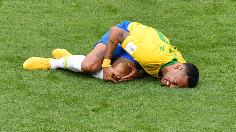 Les roulades de Neymar ont coûté… 14 minutes d'arrêts de jeu depuis le début de la Coupe du monde !
