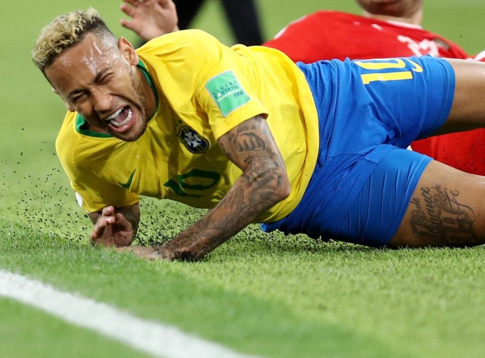 Les supporters brésiliens allument Neymar « Neymar n'a rien fait, il est … »