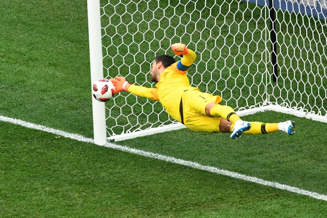 """France-Belgique: Lloris-Courtois, le duel entre les """"meilleurs gardiens du tournoi"""""""