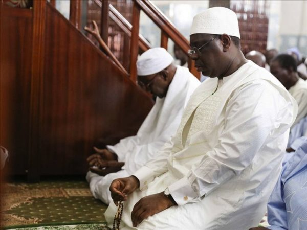 Thiès: Macky Sall met 10 millions Fcfa sur la table pour la réfection de la mosquée de Pinthiou Aly Nguer
