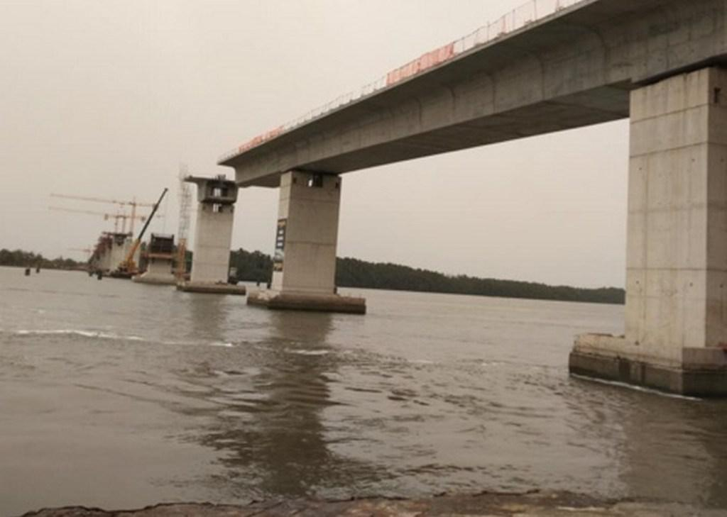 Construction du point de Farafégny : les transporteurs demandent l'accélération des travaux