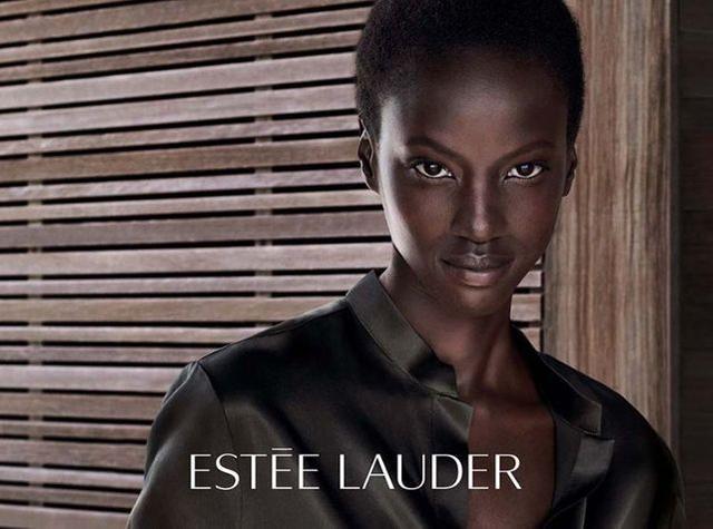 Anok Yai : La bombe soudanaise de 20 ans nommé égérie Estée Lauder
