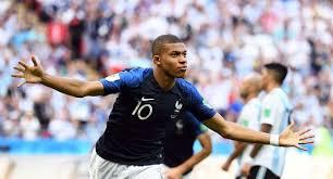 Kylian Mbappé cite ses cinq favoris pour le Ballon d'or France Football