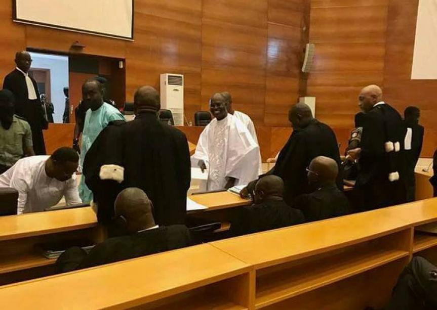 """Procès en appel de Khalifa Sall: La défense boycotte l'audience, le juge Kandji traité de """"corrompu"""""""