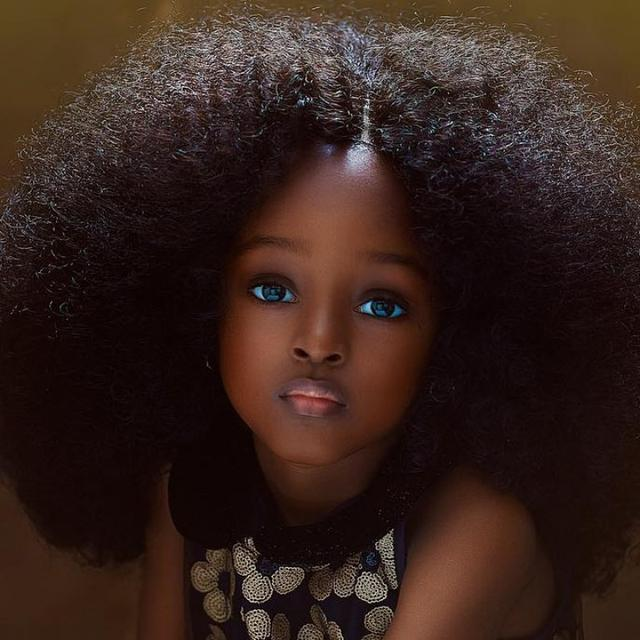 """Cette jeune Nigériane est la nouvelle """"plus belle petite fille du monde"""" (Photos)"""