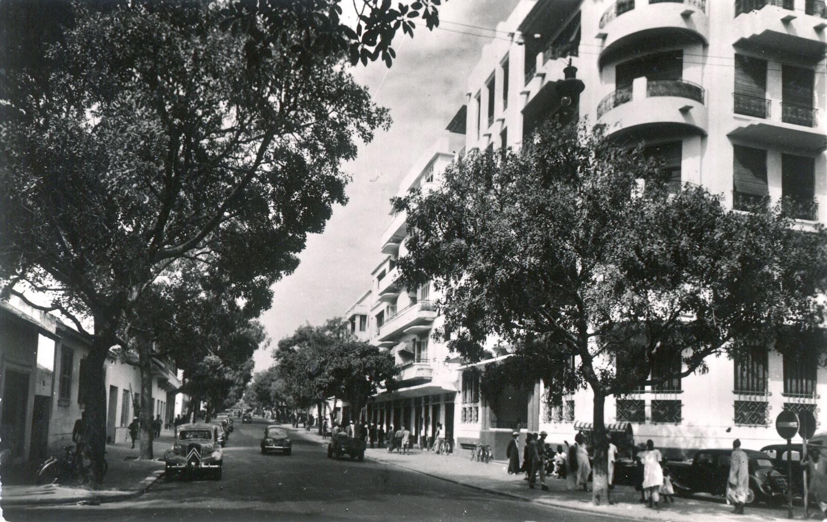 Carte postale- Voici une dernière vue de l'ancien boulevard National devenu avenue Georges Pompidou