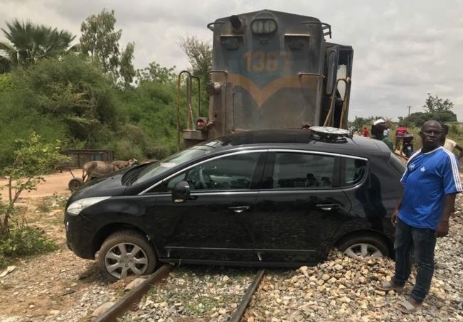 Vidéo- Il a failli être broyé par un train à Thiès