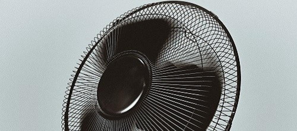 Le fait de dormir avec un ventilateur ne serait pas sans risque pour la santé !