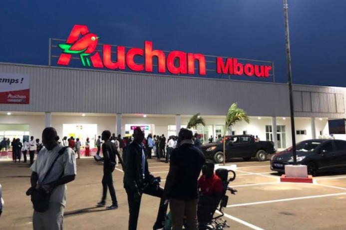 """Lait """"impropre à la consommation"""":  le patron d'Auchan Mbour réclame 30 millions à un couple"""
