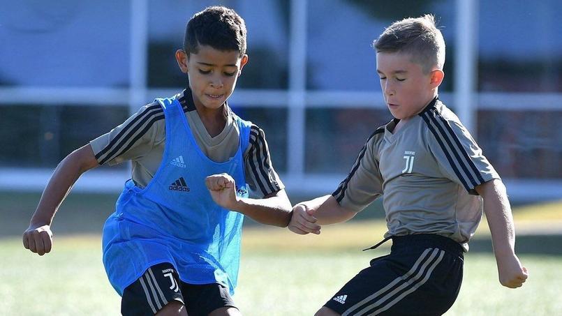 Le fils de Cristiano Ronaldo s'entraîne avec les jeunes de la Juventus Turin