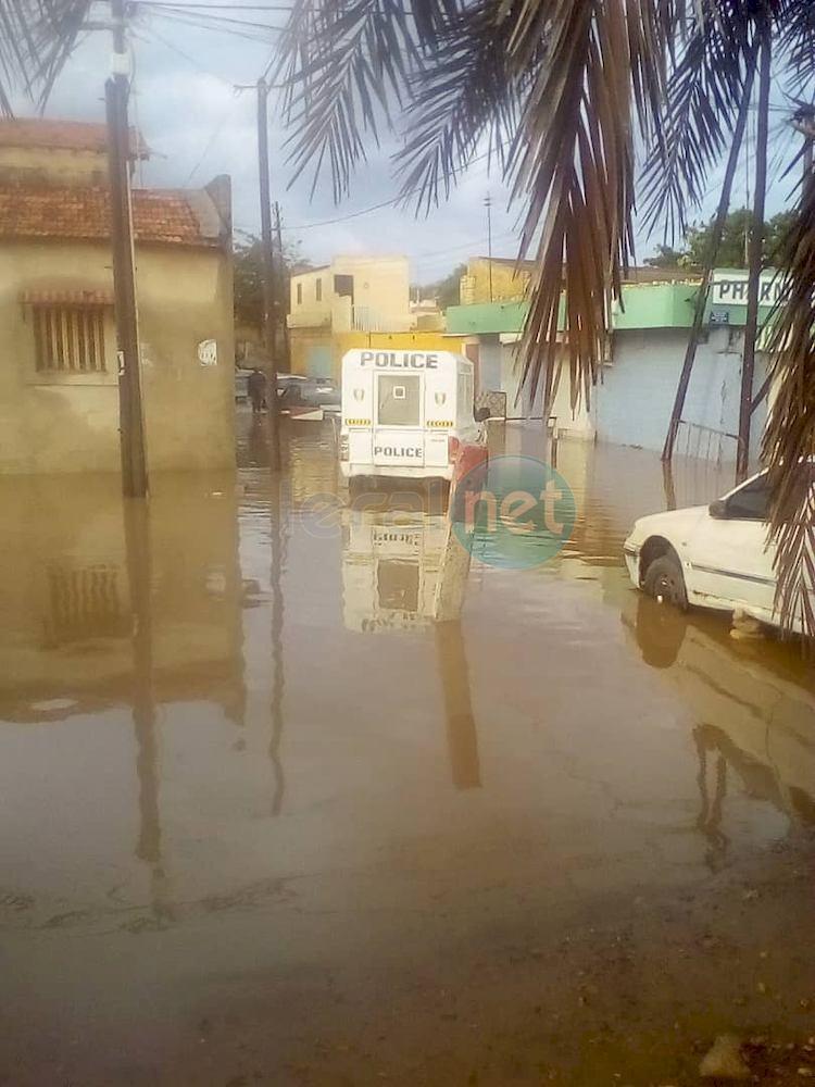 Vidéo: Inondation à Rufisque: Keuri Kao, la Mairie, la Senelec et la poste de Police, inacessibles