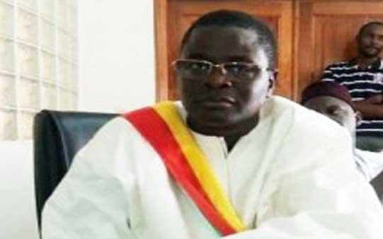 Parrainage : Abdoul Ahad Ka file des fiches de collecte et 50 000 FCfa à chaque chef de quartier