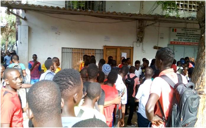 Bagarre entre étudiants  à l'Ucad:  Un blessé grave évacué, le Coud condamne