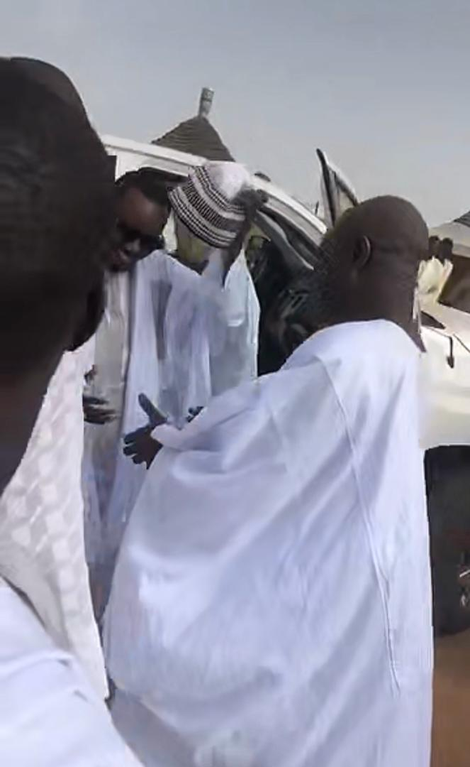Visite de Serigne Bass Abdou Khadr à Touba Diaty dans le Cayor chez Serigne Mouhamadan Mbacké Ibn Serigne Abdoul Ahad