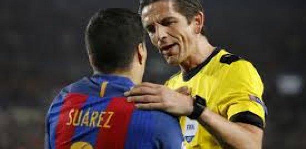 FC Barcelone : après Messi, Suarez a aussi insulté l'arbitre face à Bilbao !