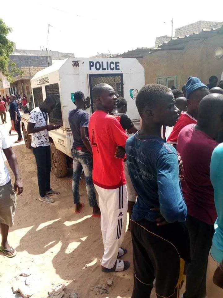 Guédiawaye – Les jeunes de Sam Notaires délogent un bar dans le quartier, le propriétaire accuse le délégué de quartier