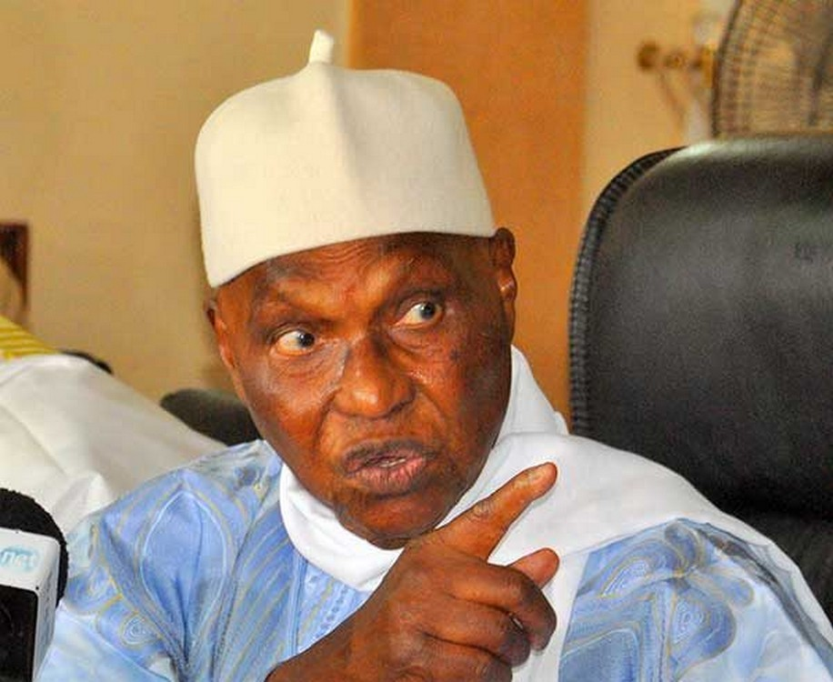 Abdoulaye Wade: « si Macky Sall insiste à vouloir éliminer notre candidat Karim Wade, nous lui opposerons une farouche résistance »