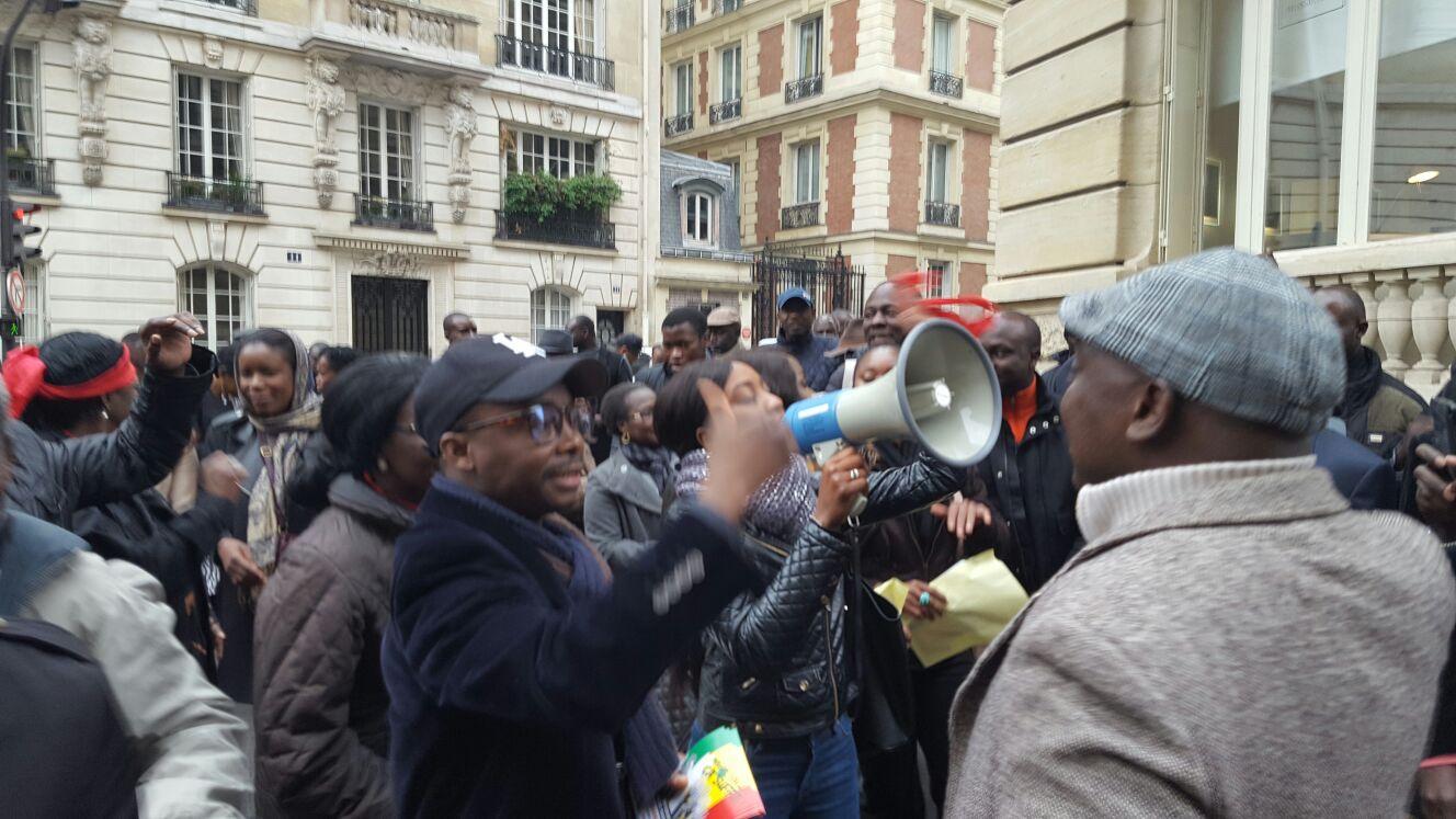 Visite mouvementée de Macky Sall à Paris: les blessés de l'opposition portent plainte