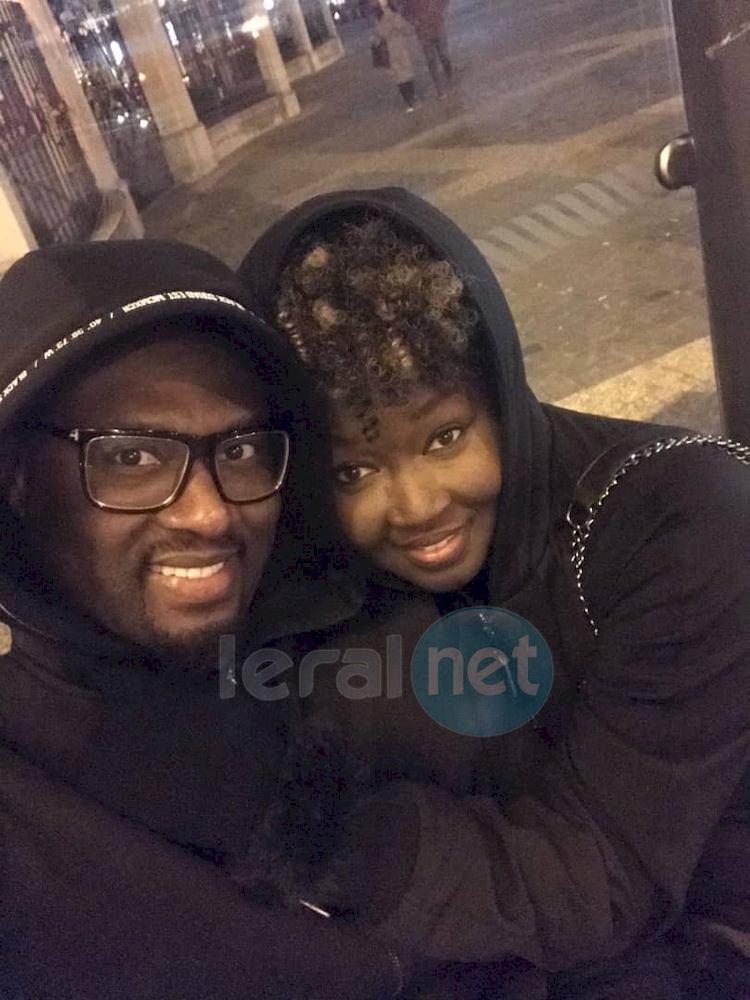 Photo - La chanteuse Maréma très heureuse dans les bras de son mari à Vienne