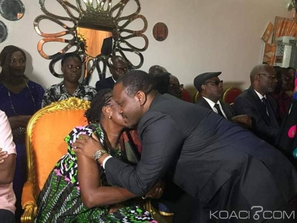 Le président du Parlement ivoirien Guillaume Soro faisant l'accolade à l'ex-Première Dame de Côte d'Ivoire Simone Gbagbo
