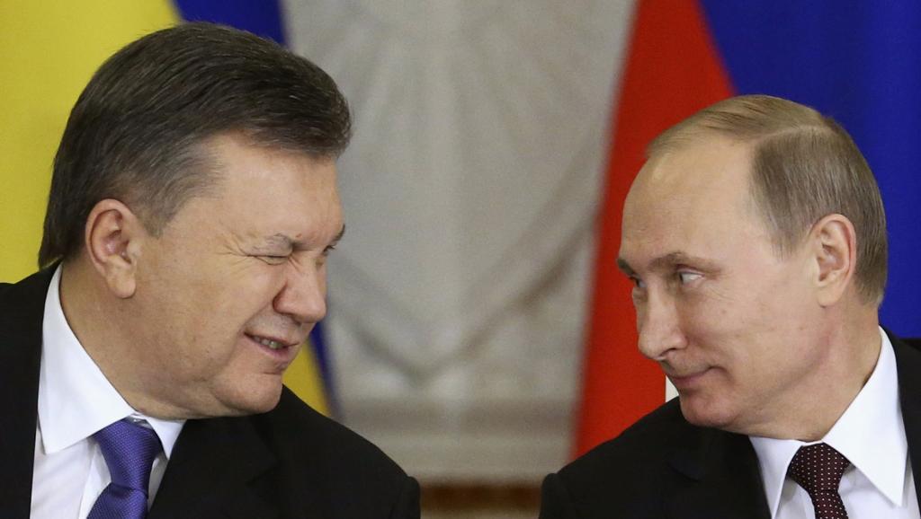 """L'Ukraine évoque la """"menace d'une guerre totale"""" avec la Russie"""