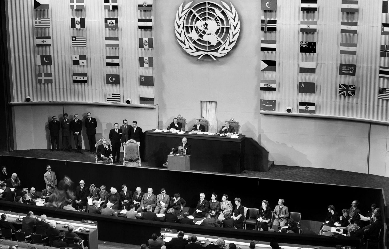 Photo: Stringer Agence France-Presse La Déclaration universelle des droits de l'homme a été adoptée par l'Assemblée générale des Nations unies à Paris il y a 70 ans, soit le 10 décembre 1948.