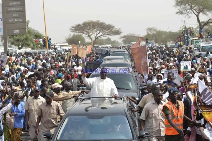 Inauguration autoroute « Ila Touba »: Macky Sall « achète » une mobilisation à 37 millions Fcfa