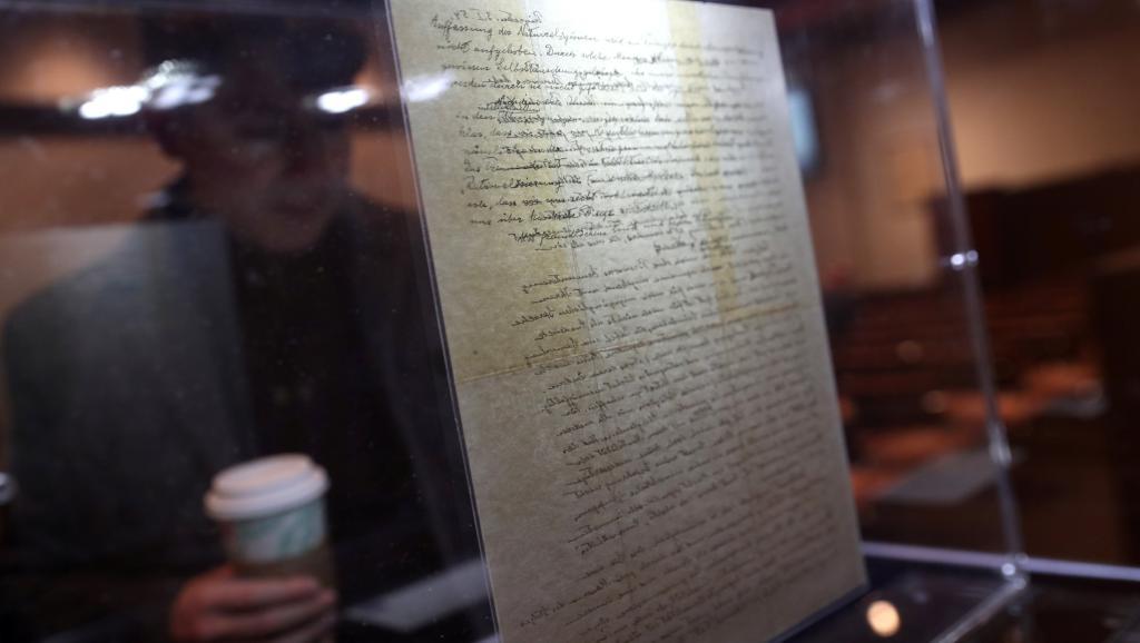 Une lettre d'Einstein sur Dieu vendue près de trois millions de dollars