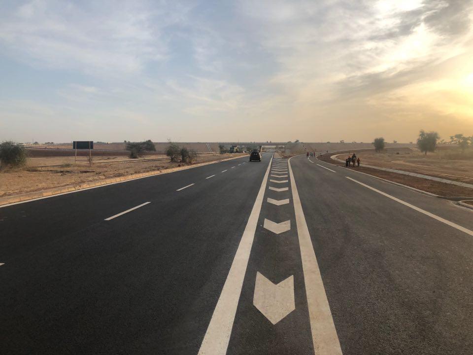En images: Voyage au bout de l'autoroute Ila Touba