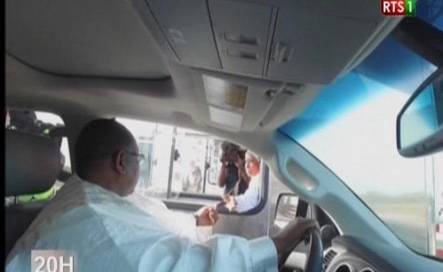 Macky Sall réduit les tarifs à 3000 FCfa et 5000 FCfa